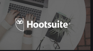 hootsuite community manager